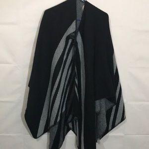 Soft Surroundings poncho black gray stripe OS
